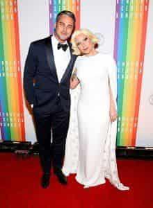 Леди Гага наконец-то выходит замуж