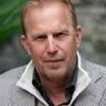 Кевин Костнер получил роль главного тренера по американскому футболу