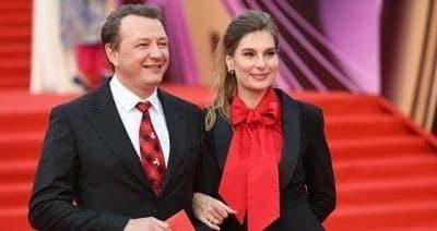 Марат Башаров впервые вышел на люди с женой после скандала