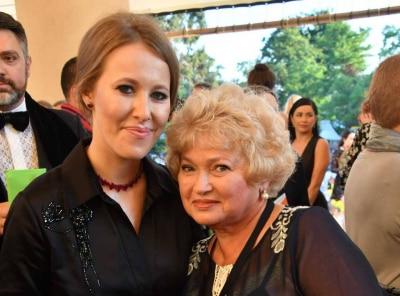 Мать Ксении Собчак госпитализирована в Коммунарку