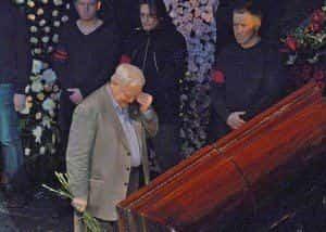 Олег Табаков разрыдался на похоронах Панина