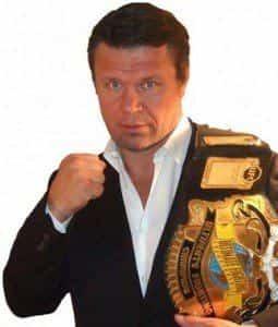 Олег Тактаров разводится с супругой
