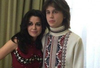 Повзрослел: сын Анастасии Заворотнюк поделился новым фото в честь своего 20 летия
