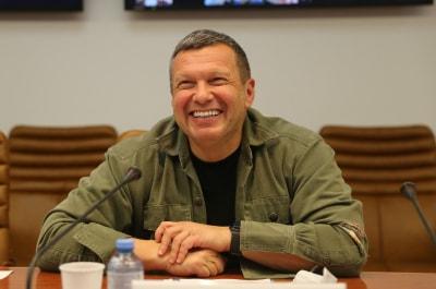 Роскомнадзор потребовал вернуть Владимира Соловьева в тренды YouTube