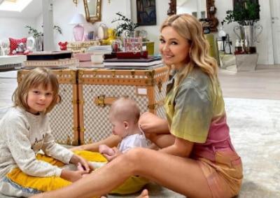 Рудковская рассказала об отношениях сыновей: Часто спрашивают, ревнует ли Саша?