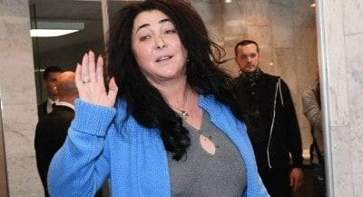 Рухнувшую под стол Лолиту показал адвокат Петросяна