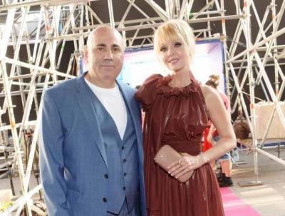 С таким мужем ничего не страшно: Валерия и Иосиф Пригожин отметили топазовую свадьбу
