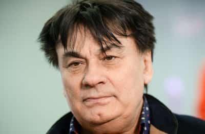 Серов выставил на продажу пятикомнатную квартиру в Москве за 20 млн рублей