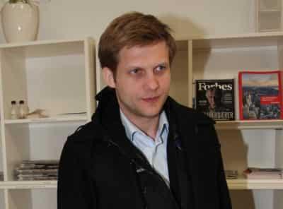 Ставший отцом Борис Корчевников показал крошечную девочку