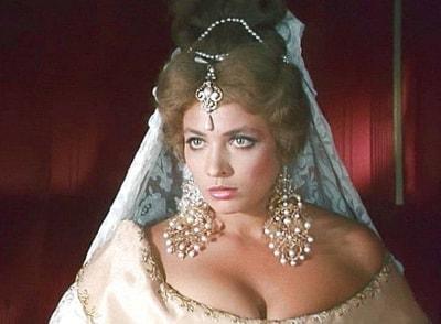 Трагедия звезды: любовницу Александра Абдулова отравили клофелином