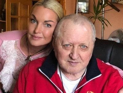 Волочкова тратит на содержание отца 150 тысяч рублей в месяц