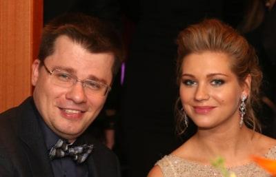 Харламов оставил Асмус особняк на Рублевке после развода