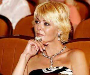 Юлия Меньшова плюнула на брак