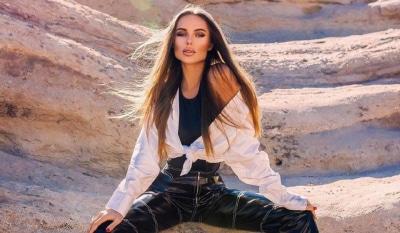 Зачем ноги раздвинула?: певица Ханна удалила пост из за жесткой критики новой фотосессии