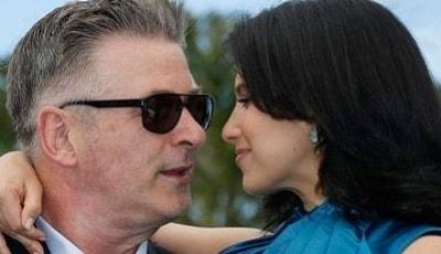 Жена Алека Болдуина боится потерять ребенка
